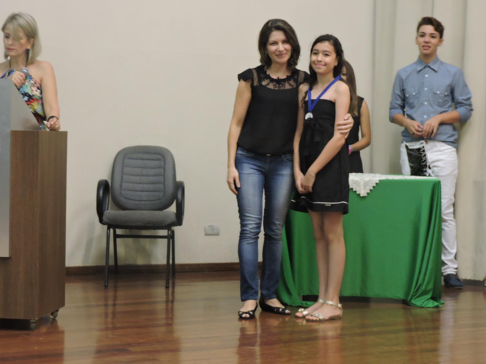 2ª lugar A - interpretação - Eduarda Tayssa Frois - 6ºRR - Prof. Fabiana